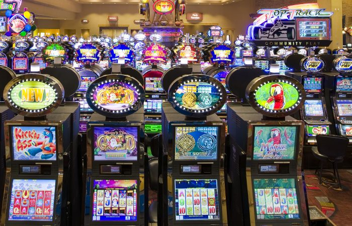 To Know The Secret Behind Online Casino