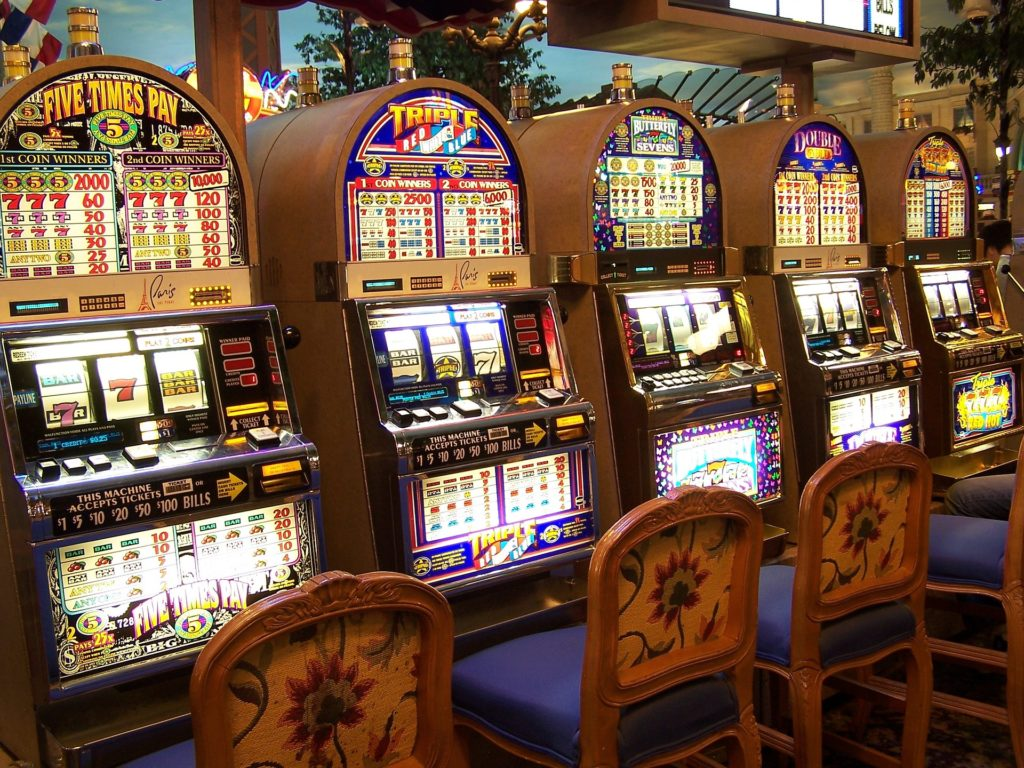 To Learn What The Consultants Are Saying About Gambling